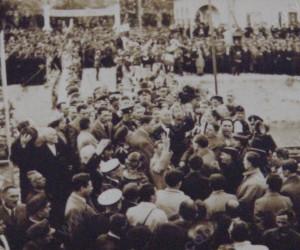 Кметът др.Бърни Бончев приветсва сръбски студенти на Видинското пристанище 6 май 1938
