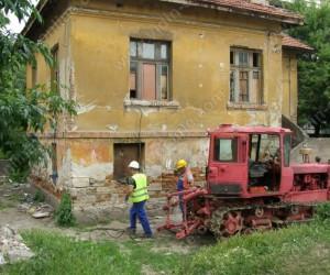 """Разрушена е опасна за обитаване къща на улица """"Горазд"""" във Видин"""