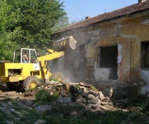 Събаряне на сградата до Баба Вида